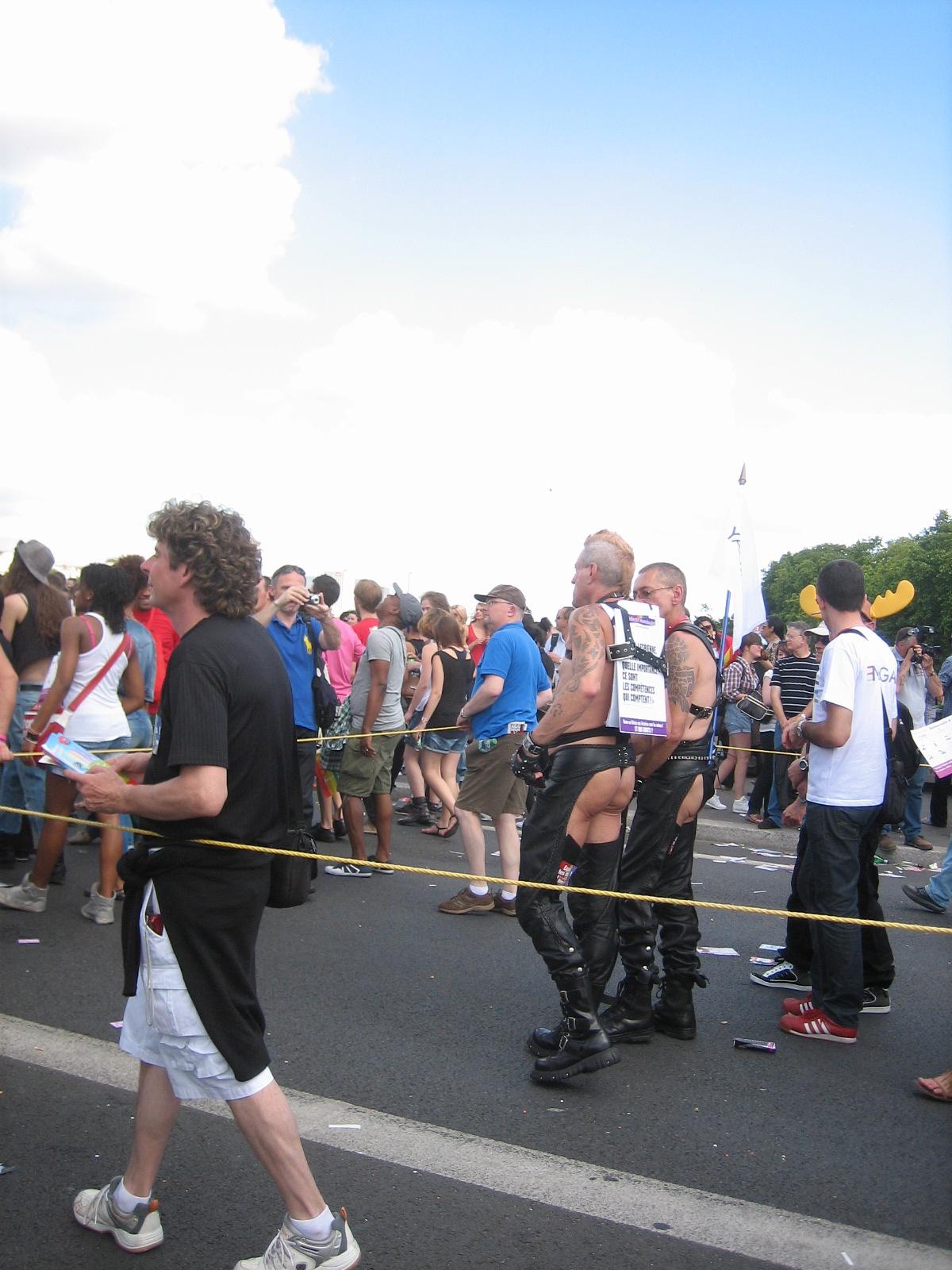 gay pride rencontre à Saint Étienne du Rouvray